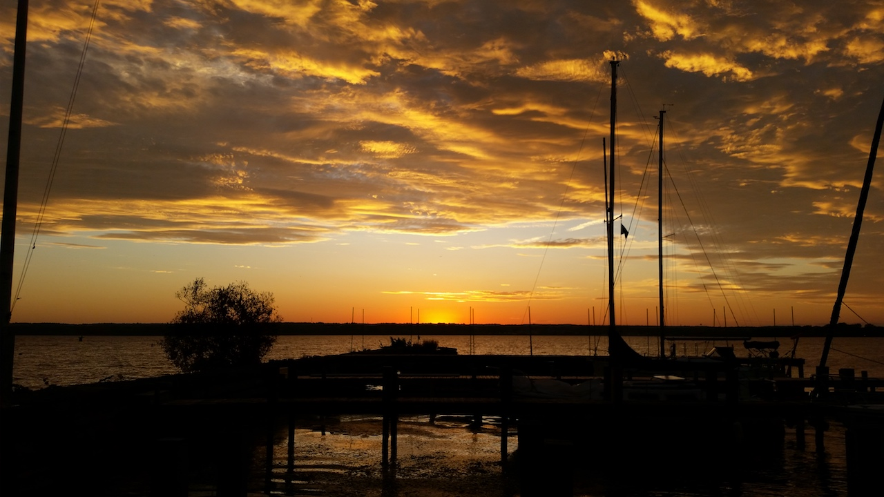 Sunset over Seneca Lake (photo)